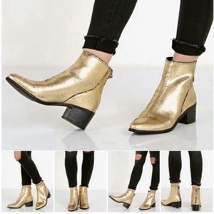 Dolce Vita. Cassius gold metallic ankle boots.